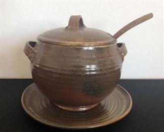 Pottery Tureen with Ladle https://ctbids.com/#!/description/share/355134