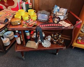 mid century teak tea/bar cart with brass inlay