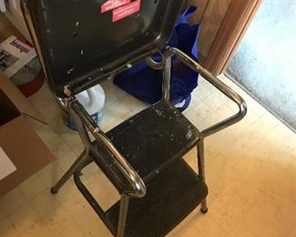 High chair/step stool