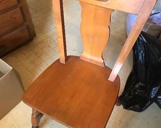 Example of kitchen table chair