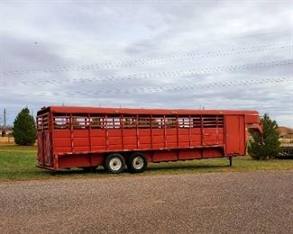 2006 Tripple B and J trailer MFG Gooseneck horse trailer with tack room. all working condition and clean title.