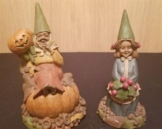 TOM CLARK GNOMES Trixie and Treat and Holly