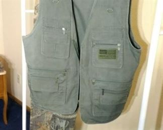 Blue Stone Safety Co vest and Wangler camo pants