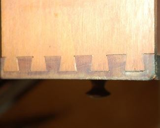 Note dovetailed joints