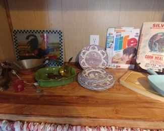 Kitchen items and collectables