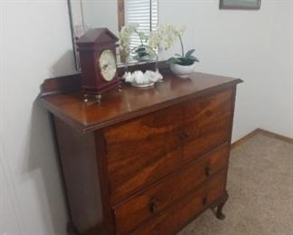 Vintage Chest of drawers .   mirror is not included.