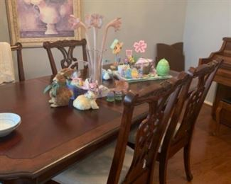 Dining room table with 8 chairs and 2 leaves. Virtual or Zoom family dinners anyone?