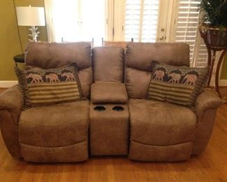 overstuffed leather double automatic recliners w/center console