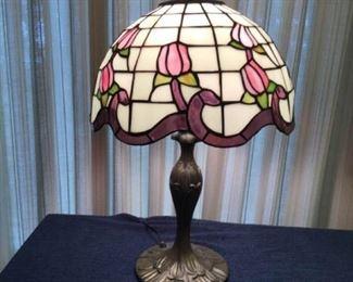Tiffany Style Lamp https://ctbids.com/#!/description/share/361816