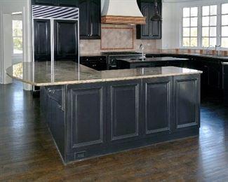 island  granite  kitchen  single sink  faucet