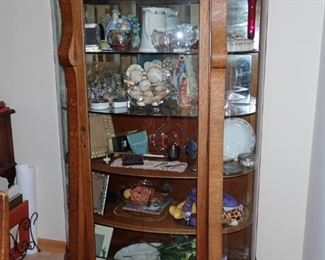 FOOTED CURVED GLASS CURIO