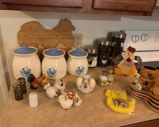 Chicken salt and pepper set collections; Chicken canister sets