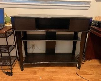 Gorgeous library table in perfect Condition