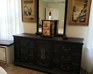 $175 - Dresser w/Mirror