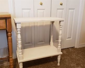 $25 - White Side Table