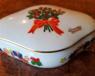 $40 - Limoges Christmas Box