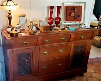 $230 - Beautiful Buffet