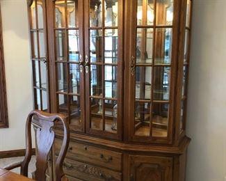 Thomasville china cabinet - $200