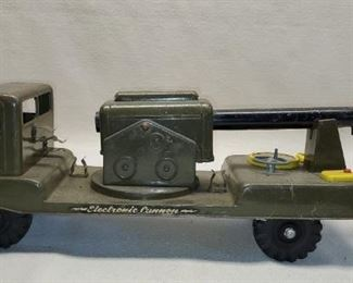 1950's Marx Metal Army Truck with Cannon