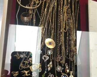 Gold and fine jewelry