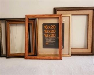 1057: 5 Empty Picture Frames Picture frames measures approx 21×17- 22×26