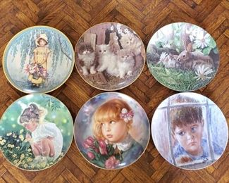 1500: 6 Decorative Plates with Stands Includes plates by Frances Hook, Kevin Daniel, Armstrongs Art on Porcelain, Maurizio Goracci, Jessie Wilcox Smith and Higgins Bond