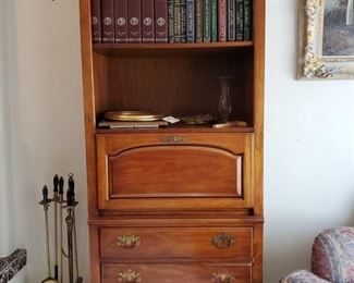 """1970s Traditional Thomasville Furniture Combinations Collection 32"""" Drop Front Bookcase Secretary / Wall Unit 1526: Measures approx 32""""x17""""x78"""". Does not include items on shelves. Does include items in drawers, fake plant and fireplace tools."""