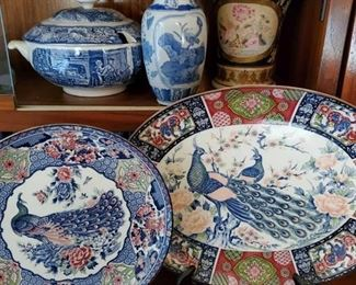 2 Decorative Plates, 2 Vases and Punch Bowl 2 Decorative Plates, 2 Vases and Liberty Blue Punch Bowl