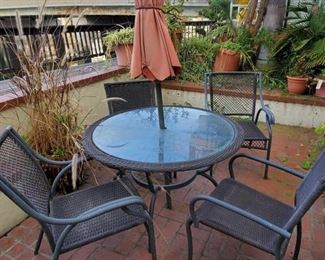 """Glass Top Wicker Patio Table with 4 Chairs Table measures approx 44"""" x 27"""""""