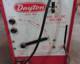 Dayton Model 3Z564 250 ACDC Welder