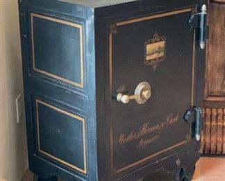 Antique Safe Mosler Bowen & Cook Mexico34x25.75x19.5inHxWxDSC100   https://www.aceofestates.com/product-page/antique-safe-mosler-bowen-cook-mexico
