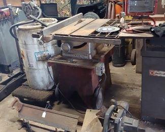 Table Saw - Miter Saw - Miter Box