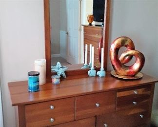 Dresser and mirror matching QS bed - decorative items