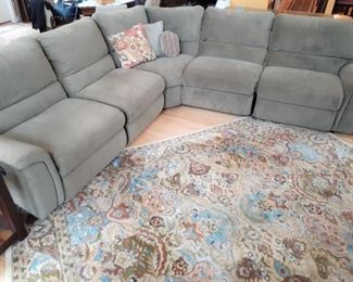 Very nice LAZYBOY 5 seat sectional with  recliners