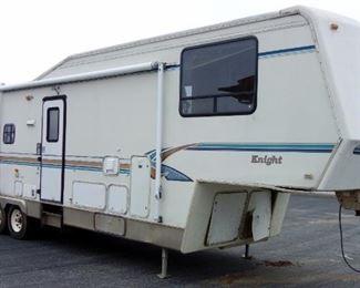1995 King of the Road 5th Wheel Travel Trailer Camper VIN# 1DRKF3632SB050526, Living Room Slide Out, Oven, Microwave, Awning