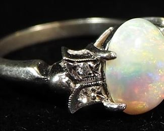 14K White Gold Ring, With Iridescent White Stone, Size 4.5, 3.28g Including Stone
