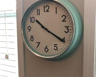 Clock (has a crack in outer shell, works): $2