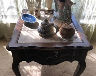 Little side table 27x21  19H $32