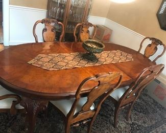 """$ 2100.00 -  Drexel Heritage Dining table with 8 chairs and 3 leaves -""""Dover Square"""". Includes custom pads. 45""""W x 30""""T x 96""""L (with one leaf) Like new condition -(paid over $6000)"""