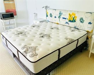 REDUCED 50% OFF Stearns & Foster Kingsize Mattress on Adjustable Vibrating Twin bedframe $2250