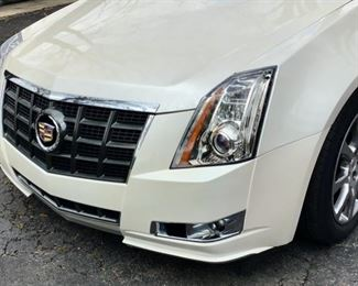 2013 Cadillac CTS Wagon in Very Good Condition. 28,000 + Miles.  Fresh Oil Change & Clean Inside and Out