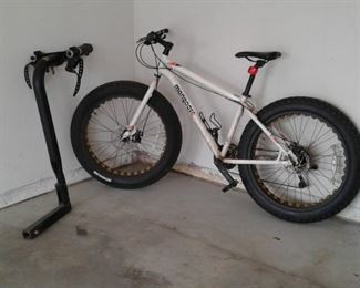 005 Fat Tire Mongoose Vinson  Saris Bike Rack