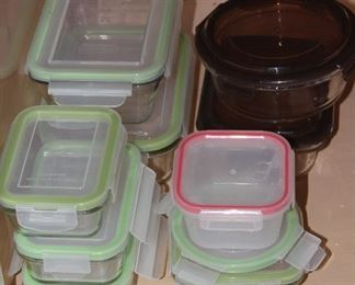 Snap-ware  Glass Refrigerator/Leftover Storage Bowls in Various Sizes with Snap-on Lids