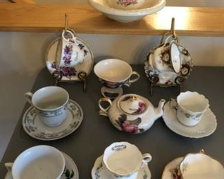 Dining Room Lot #1  China Sets $30.00