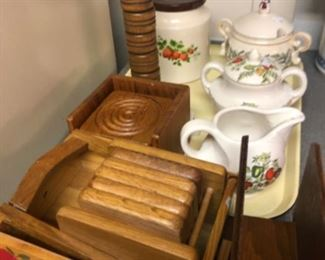 Kitchen Lot # 10 Sugar & Cream, Coffee container and wooden items $10.00