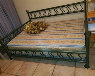 $250 (P10) Day Bed, with or without Mattress.