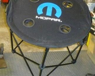 MOPAR FOLDING TABLE AND BAG