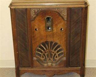 1Philco Floor Radio