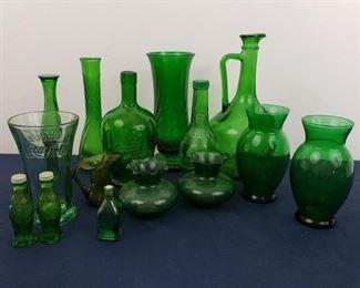 Green Glass Lot with Coca-Cola Shakers & Vase https://ctbids.com/#!/description/share/364916