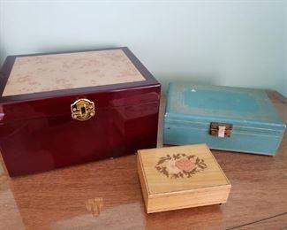 Jewelry Box and Music Box Lot https://ctbids.com/#!/description/share/365792